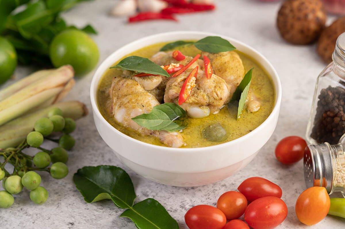 chicken green curry bowl1 1
